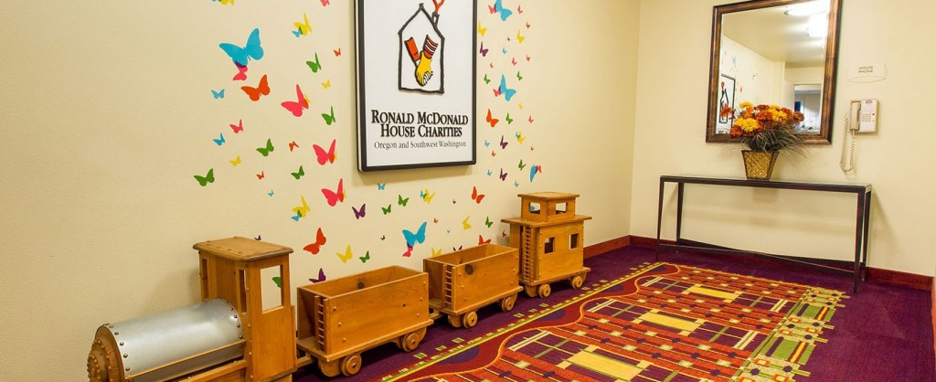 Located on the fifth floor of the Marriott Residence Inn, the West House Waterfront serves patients of Doernbecher Children's Hospital and Shriners Hospital.